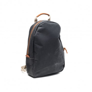 Memo-backpack-balck-3-370×370